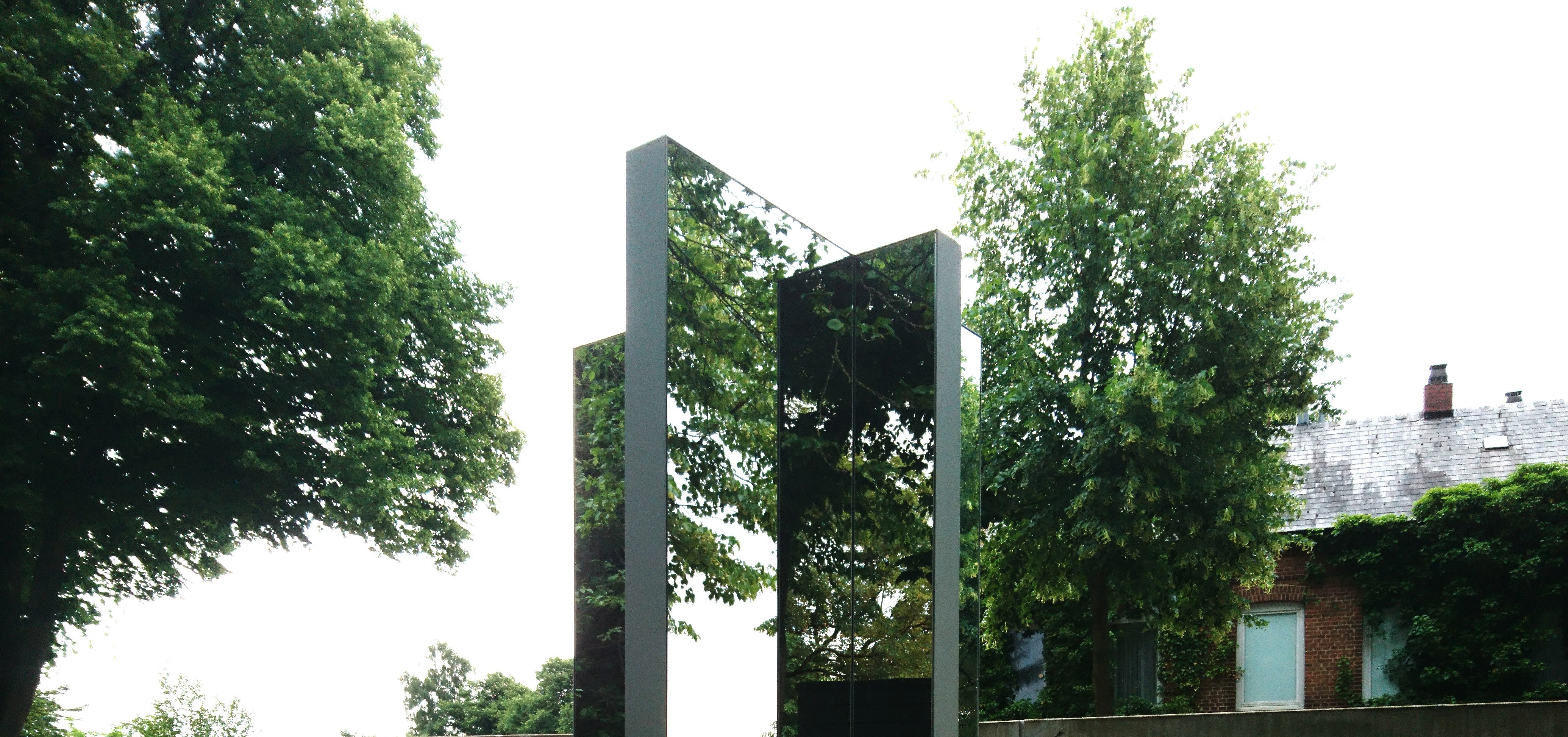 rotating_mirror_rotating, Neumünster, 2018 / © Archive Mischa Kuball, Düsseldorf / Photo: Yanine Esquivel
